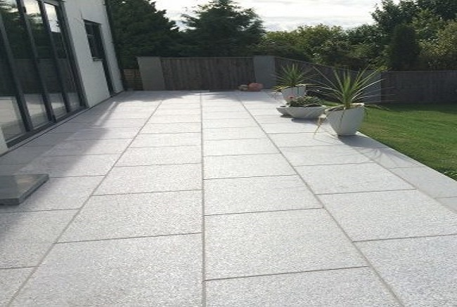 Pavevolution flamed 600x600 Silver Grey paving